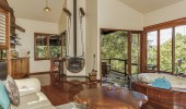 luxury treehouses montville
