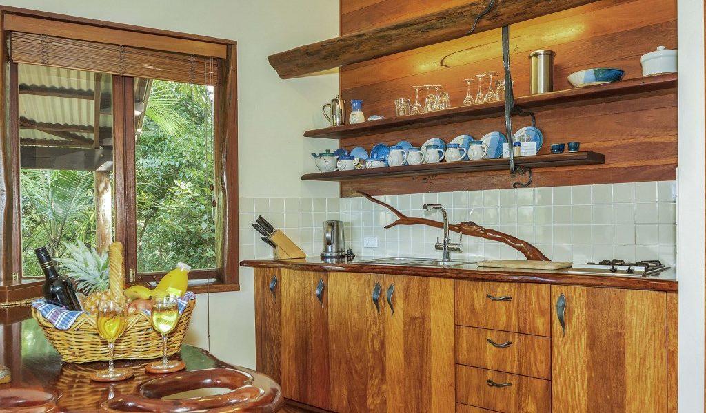 The Bower - Secrets on the Lake Maleny Accommodation