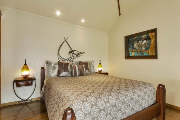 The Bower - Secrets on the Lake Maleny Accommodation