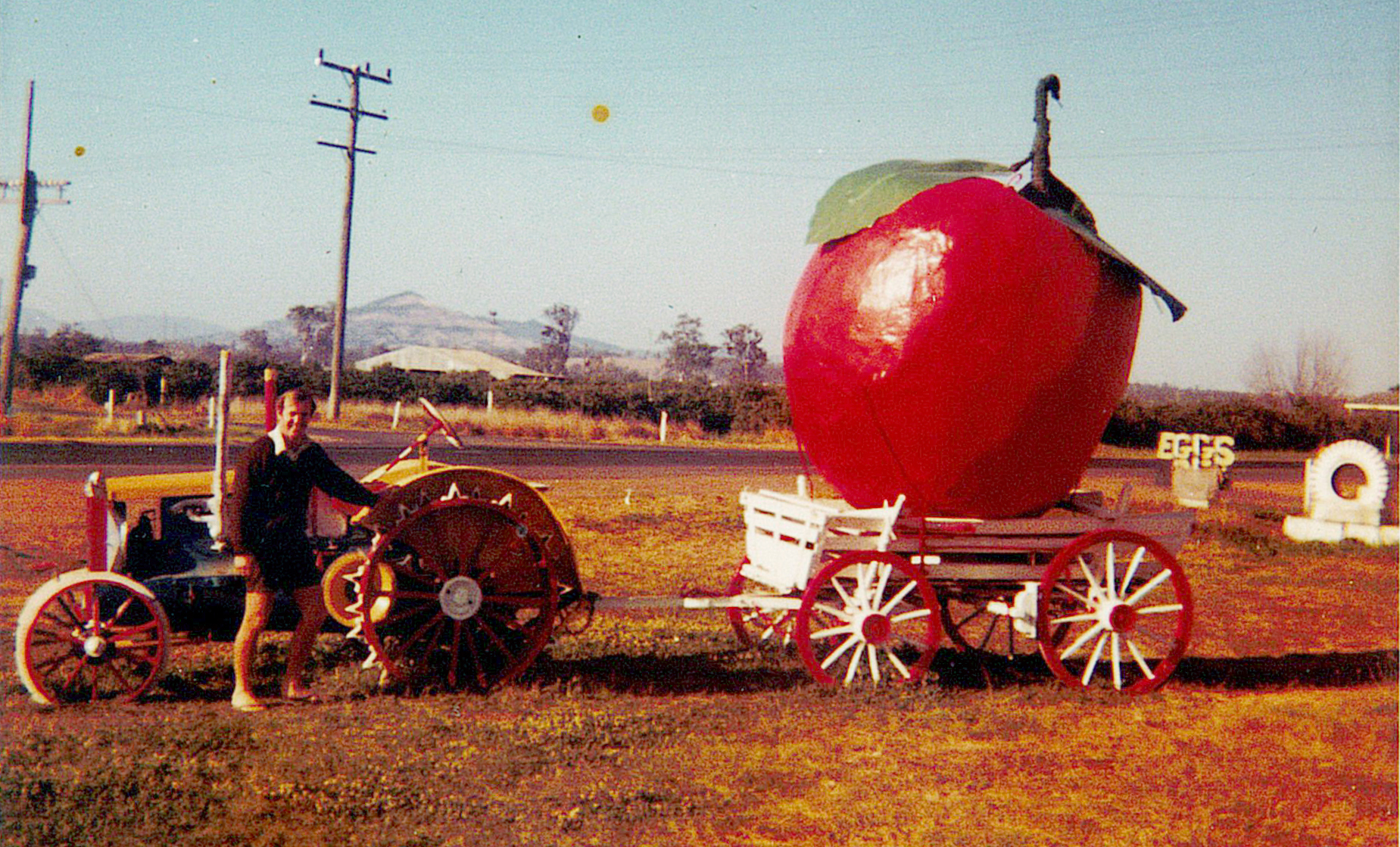 George and the fruit cart - Green Acres