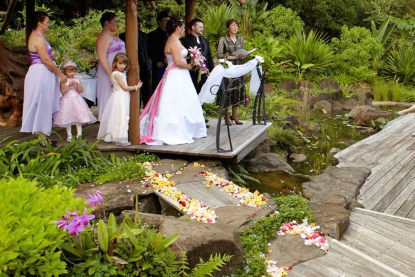 Weddings - Secrets on the Lake Maleny Accommodation