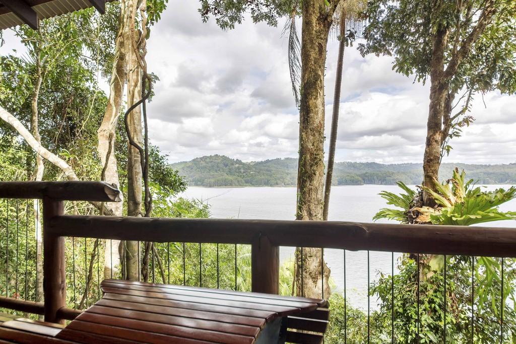 The Secrets Cabin - Secrets on the Lake Maleny Accommodation