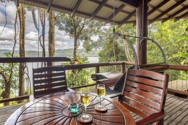 The Secrets Cabin - Secrets on the Lake Maleny Accommodation