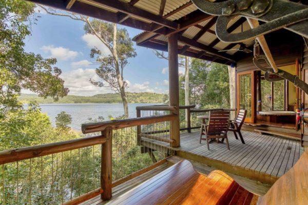 Waterlillies - Secrets on the Lake Maleny Accommodation